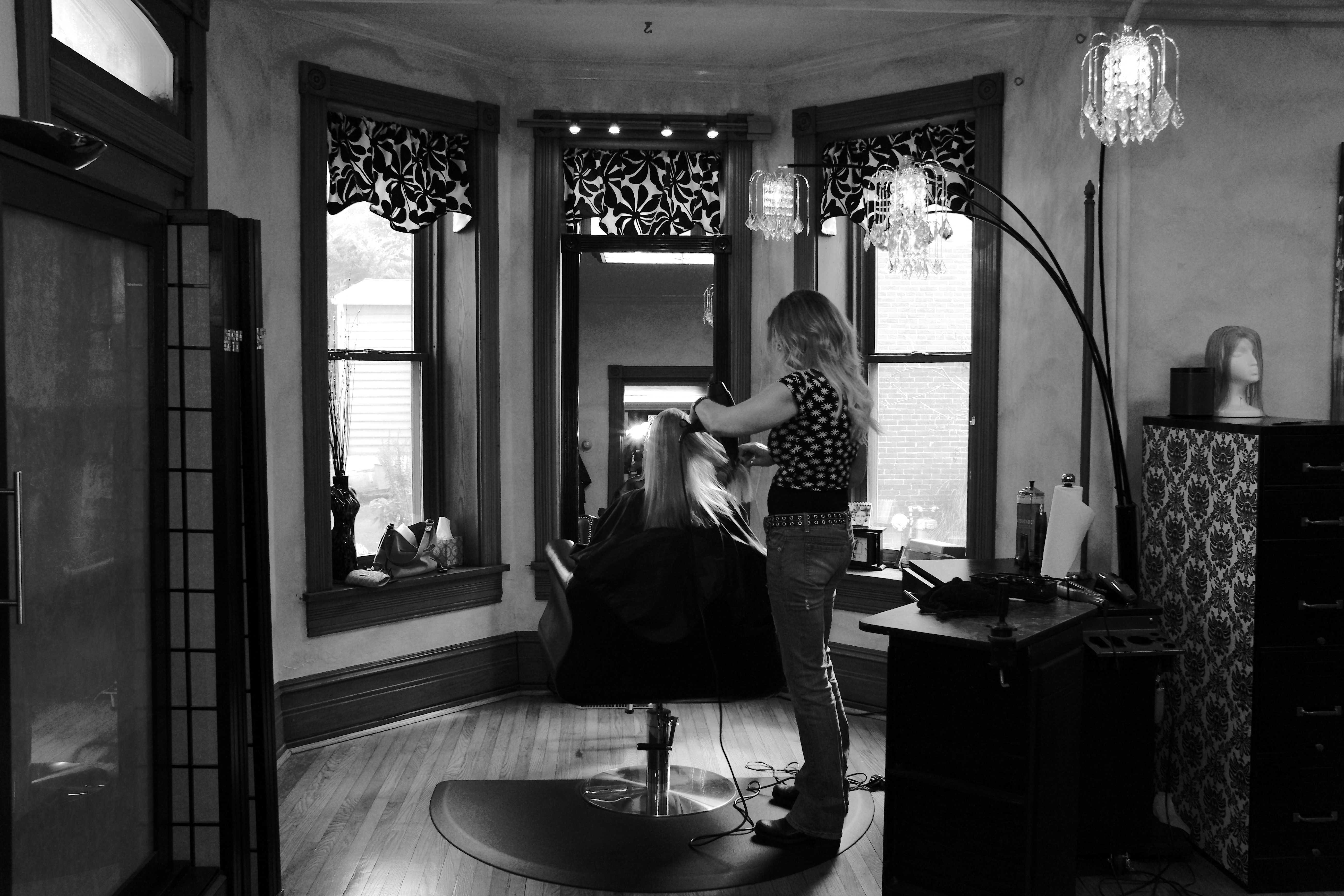 Lancaster pa beauty salon hair services gallery mia for 717 salon lancaster pa